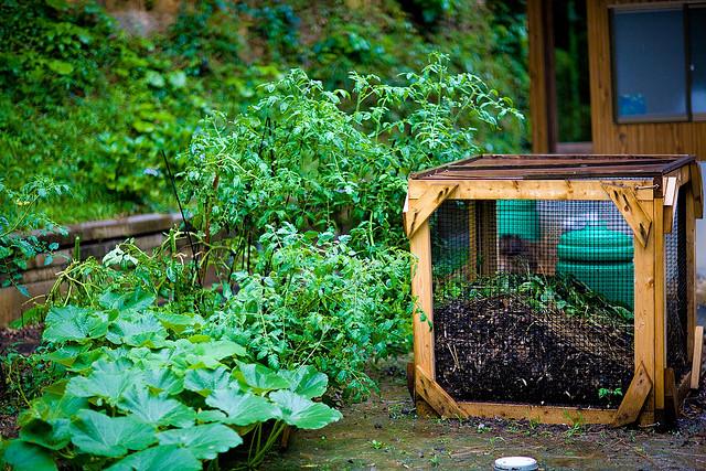 Composter au jardin